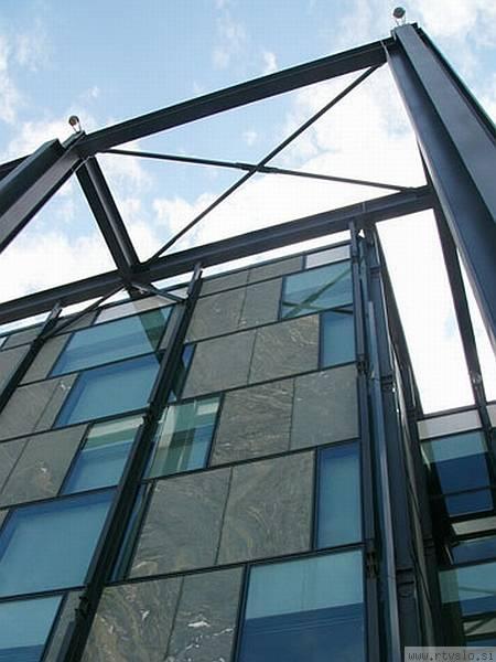 Groleger arhitekti: Slovenski etnografski muzej (2004)