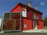 V sklopu Metelkove deluje tudi hostel Celica. Foto: