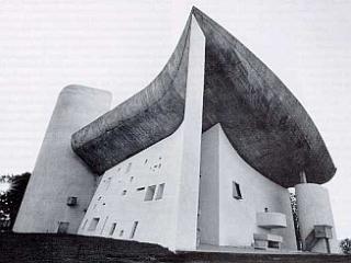 Le Corbusier: kapela Notre-Dame-du-Haut v Ronchampu