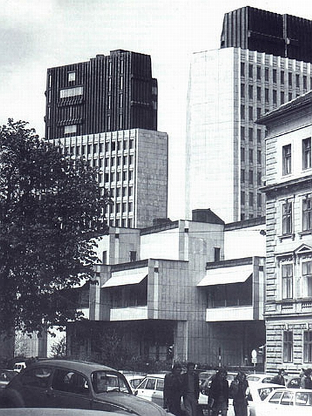 Edvard Ravnikar: Stolpnici B in C (1976)