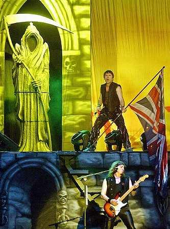 Gospa Osbourne bi Iron Maiden poslala v šolo lepega vedenja. Foto: EPA