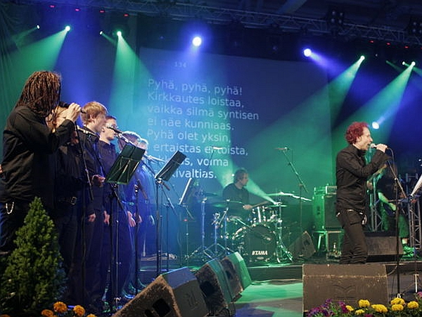 V sedemdesetih je heavy metal na Finskem (kot še marsikje drugod) veljal za 'hudičevo glasbo'. Veter se je obrnil zahvaljujoč neodvisnim založbam, ki so neuveljavljenim metalcem ponudile priložnost za snemanje plošče. Kmalu so bili na sledi izvozni uspešnici (HIM in Children of Bodom sta že dobra primera). Foto: Metallimessu