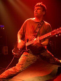 Član skupine Nicky Garrett v elementu. Foto: U. K. Subs