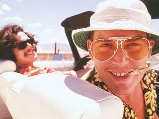 Filmska Raoul Duke in dr. Gonzo (Johnny Depp in Benicio Del Toro)