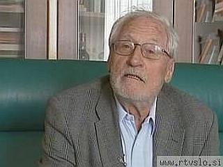 Tonetu Pavčku so nagrado podelili ob njegovi 80-letnici, z njo pa so se želeli pesniku zahvaliti za vse, kar je naredil za slovensko kulturo ter ugled Slovenije doma in v svetu. Foto: MMC RTV SLO
