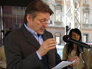 Predlog predvideva podaljšanje t. i. zakona o kulturnem tolarju do leta 2013. Foto: RTV SLO