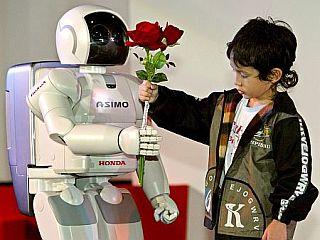 Do leta 2020 naj bi robota imela že vsa južnokorejska gospodinjstva. Foto: EPA