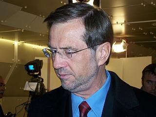 Lojze Peterle je pozval k novemu začetku krščanske demokracije. Foto: RTV SLO