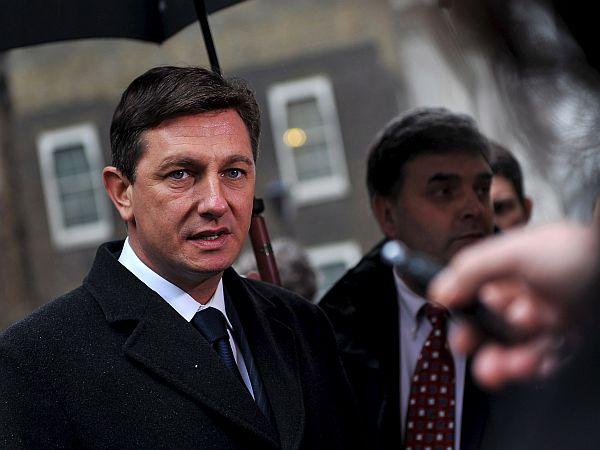 Premier vztraja, da je četrtkov dogovor ne ogroža slovenskih nacionalnih interesov. Foto: EPA