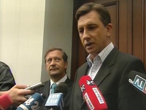 Borut Pahor tudi po sestanku s Karlom Erjavcem ostaja pri želji, da bi oblikoval homogeno vlado. Foto: MMC RTV SLO
