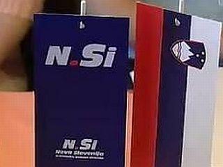 NSi je na volitvah 2004 pridobila en mandat v primerjavi s prejšnjimi volitvami, vendar je pred koncem mandata poslansko skupino in stranko zapustil Drobnič. Foto: EPA