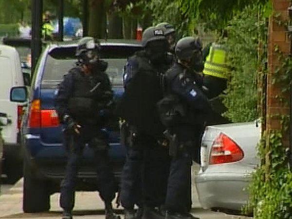 Kriminalisti s pomočjo specialne enote GPU-ja preiskujejo organizirane preprodajalce mamil. Foto: MMC RTV SLO