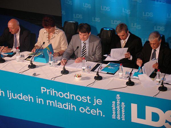 Program, ki ponuja alternativo zdajšnji vladi, so pripravljali zadnje pol leta. Foto: MMC RTV SLO