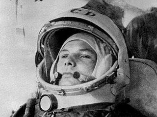 Gagarin med prevozom proti Vostoku I. Foto: EPA