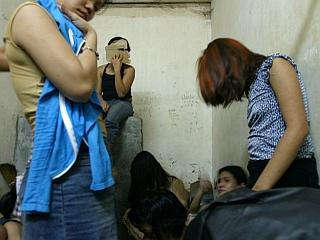 Na prvi pogled se sicer zdi, da trgovina z ljudmi pri nas ne predstavlja večjega družbenega problema, a film Kupi me! govori nasprotno. Foto: EPA