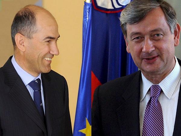 Med Janšo in Türkom se je sprožila polemika glede Türkove domnevne obveščenosti o bombnem atentatu v Velikovcu leta 1979. Foto: EPA