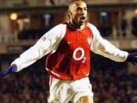 Thierry Henry je imel pri Arsenalu odlično sezono in je dobil tudi nagrado zlati čevelj za najboljšega evropskega strelca.