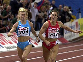 Spomin na Dunaj 2002, ko je Jolanda Čeplak s časom 1:55,82 postavila svetovni rekord na 800 metrov v dvorani. Foto: EPA