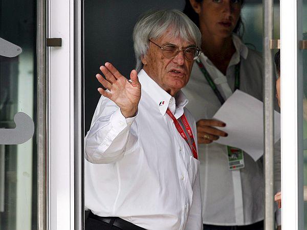 Bernie Ecclestone je pred dnevi športno javnost razburil s predlogom, da bi o naslovu svetovnega prvaka odločalo število zmag in ne točke. Fia o predlogu tokrat v Parizu ni razpravljala, saj je najprej treba narediti številne tržne raziskave. Foto: EPA