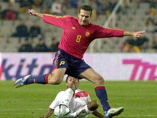 Igra Španije se vrti okrog vezista Rubensa Baraje.