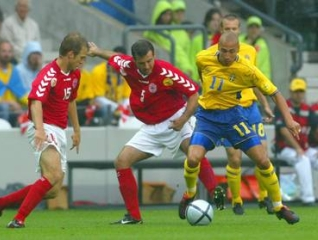 Henrik larsson je dosegel zadetek iz enajstmetrovke.
