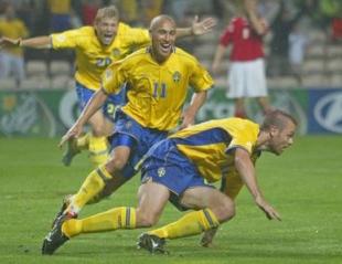 Švedsko veselje po drugem zadetku, ki ga je dosegel Jonson.