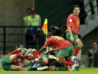 Veselje Portugalcev po golu Nuna Gomesa.