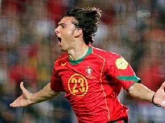 Portugalce je v rednem delu v igro vrnil Helder Postiga.