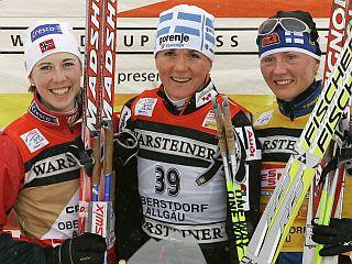 Petra Majdič je po Drammnu in Kuusamu tretjič stopila na najvišjo stopničko. Foto: Reuters