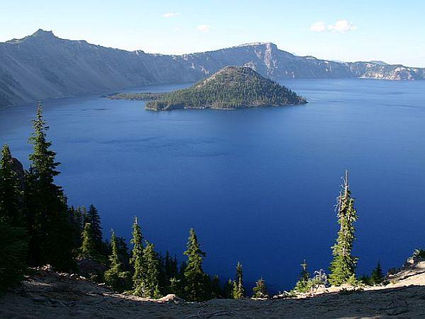 Veličastni Crater Lake. Foto: MMC RTV SLO/Kaja Sajovic