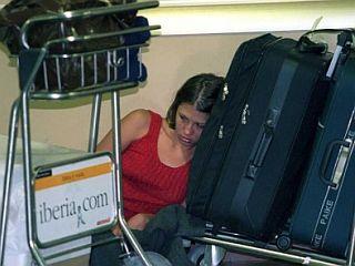 Letos bo dve milijardi potnikov, kolikor jih bo potovalo z letali, izgubilo 30 milijonov kovčkov. Foto: EPA