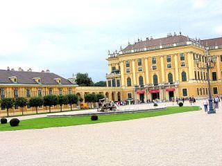 Schönbrunn je najbolj razkošen dvorec v Avstriji. Foto: RTV SLO