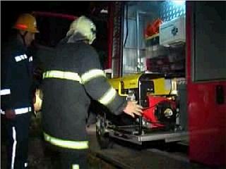 Gasilci so dežurali vso noč. Foto: MMC RTV SLO
