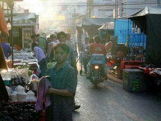 Spretni trgovci so se pripravljeni pogajati tako za ceno kosa oblačila kot drage tehnične opreme.