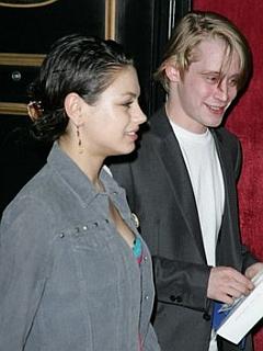 Macaulay Culkin in Mila Kunis
