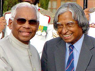 Kočeril Raman Narajanan z nekim vodilnim indijskim politikom.